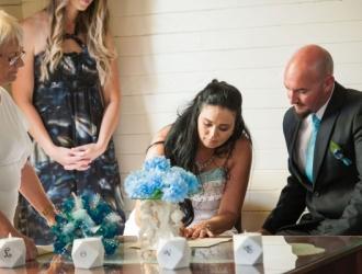 pop up wedding - signing